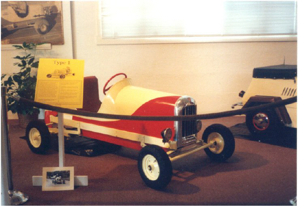 Red & White King Midget Model I